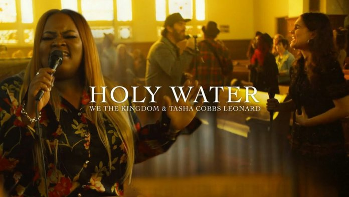 Photo of We The Kingdom Ft Tasha Cobbs – Holy Water (Church Session)