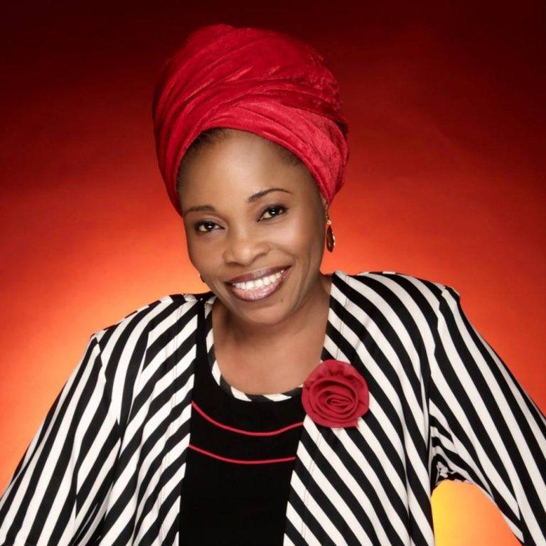 Photo of Tope Alabi  – Mimo Loluwa