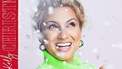 Photo of Tori Kelly – Christmas Time Is Here