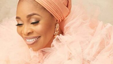 Photo of Oni Duro Mi by Tope Alabi